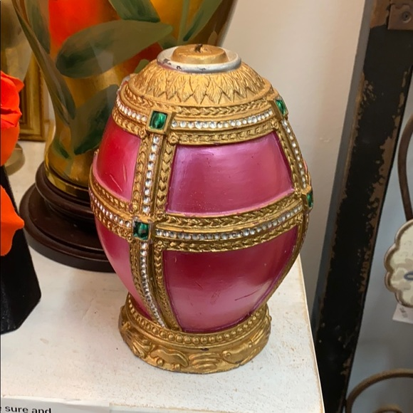 Lovely egg candle decor pink gold